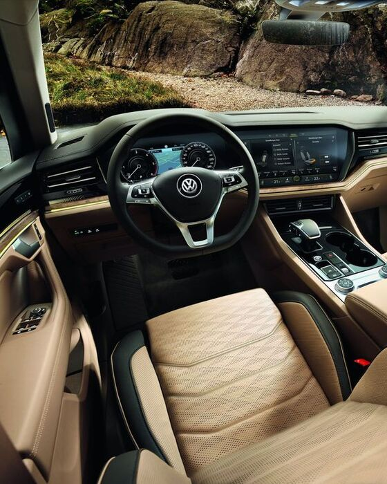 vw volkswagen touareg ambience